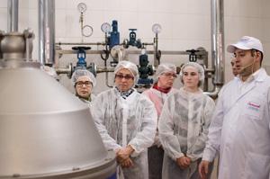 Фото з екскурсії на завод 4 листопада 2017 року